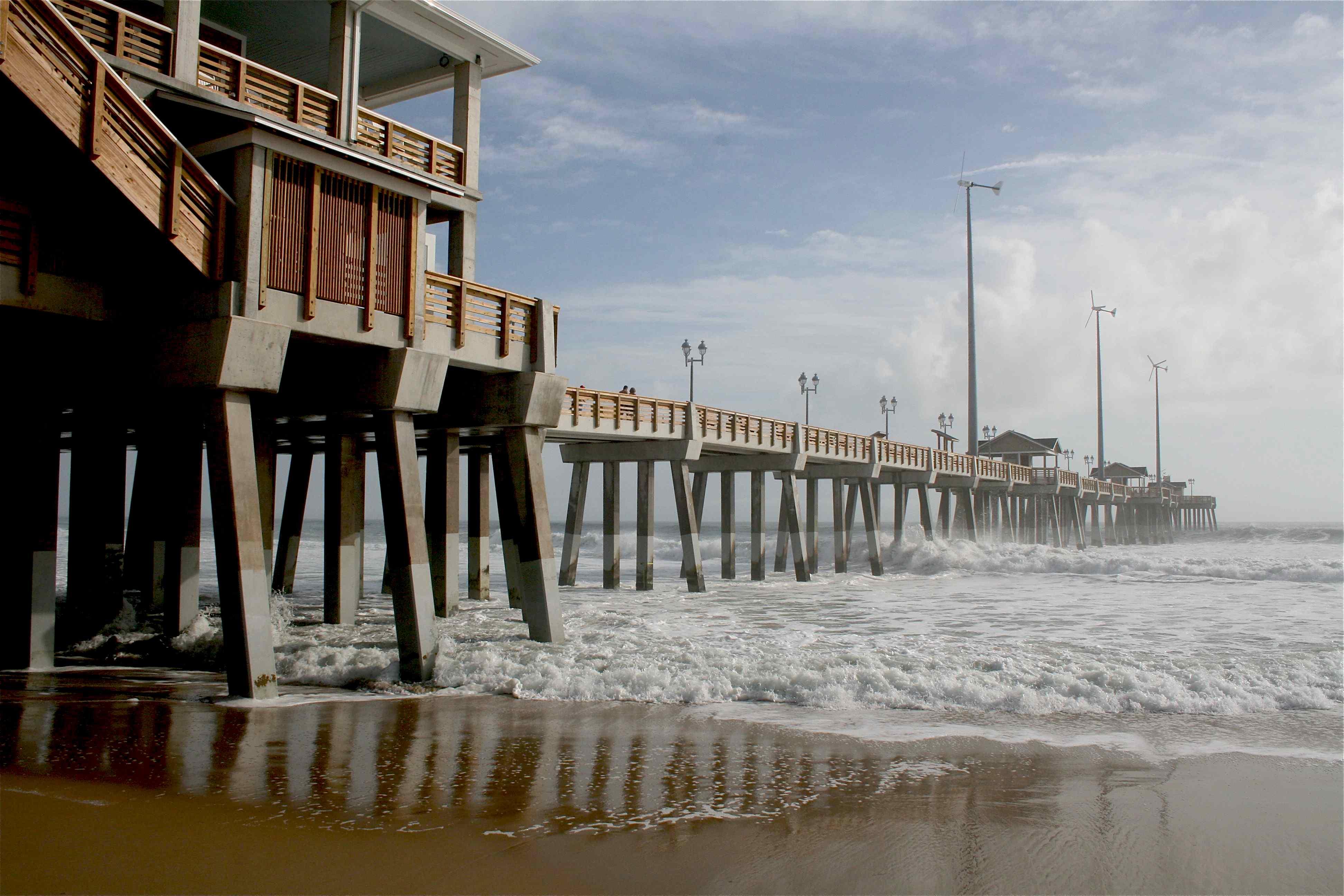Pier pzazz albert vick for Jennette s fishing pier