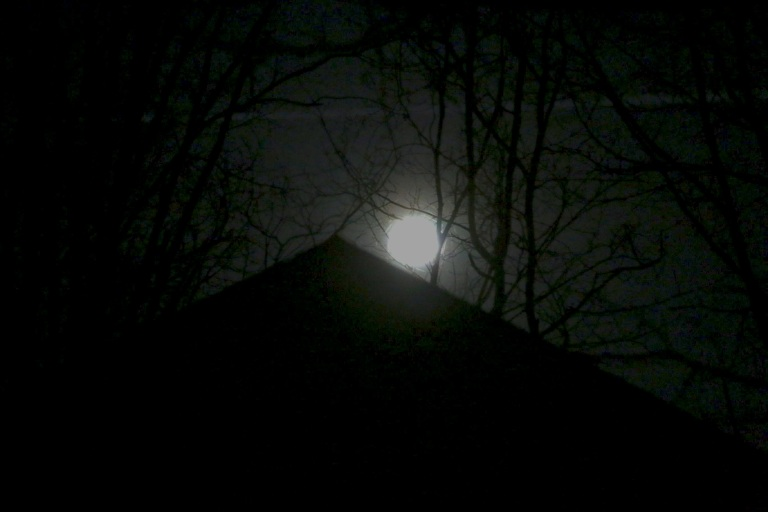 Full Moon BnW